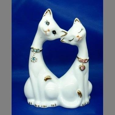 DIN2238 Влюбленные кошки